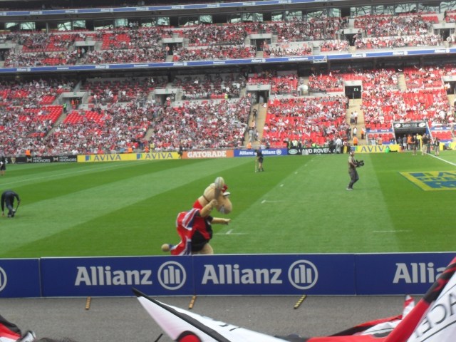 Saracens v Leicester at Wembley 15th September 2012